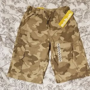 Oshkosh shorts size 6 years